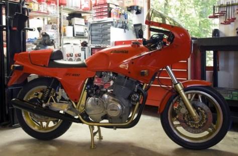 Laverda SFC 1000 - Right Side