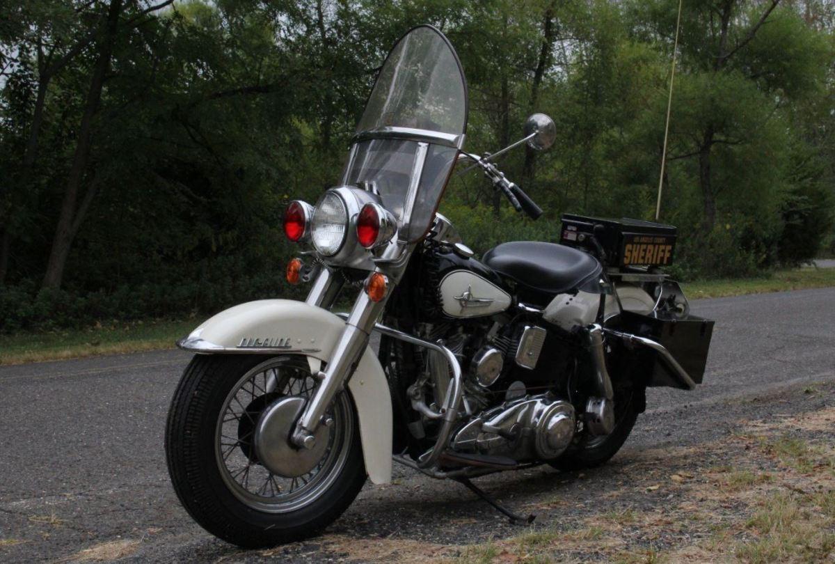 Los Angeles Sheriff - 1961 Harley-Davidson FLH