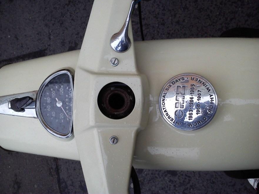MZ ES 250 Trophy - Gauges