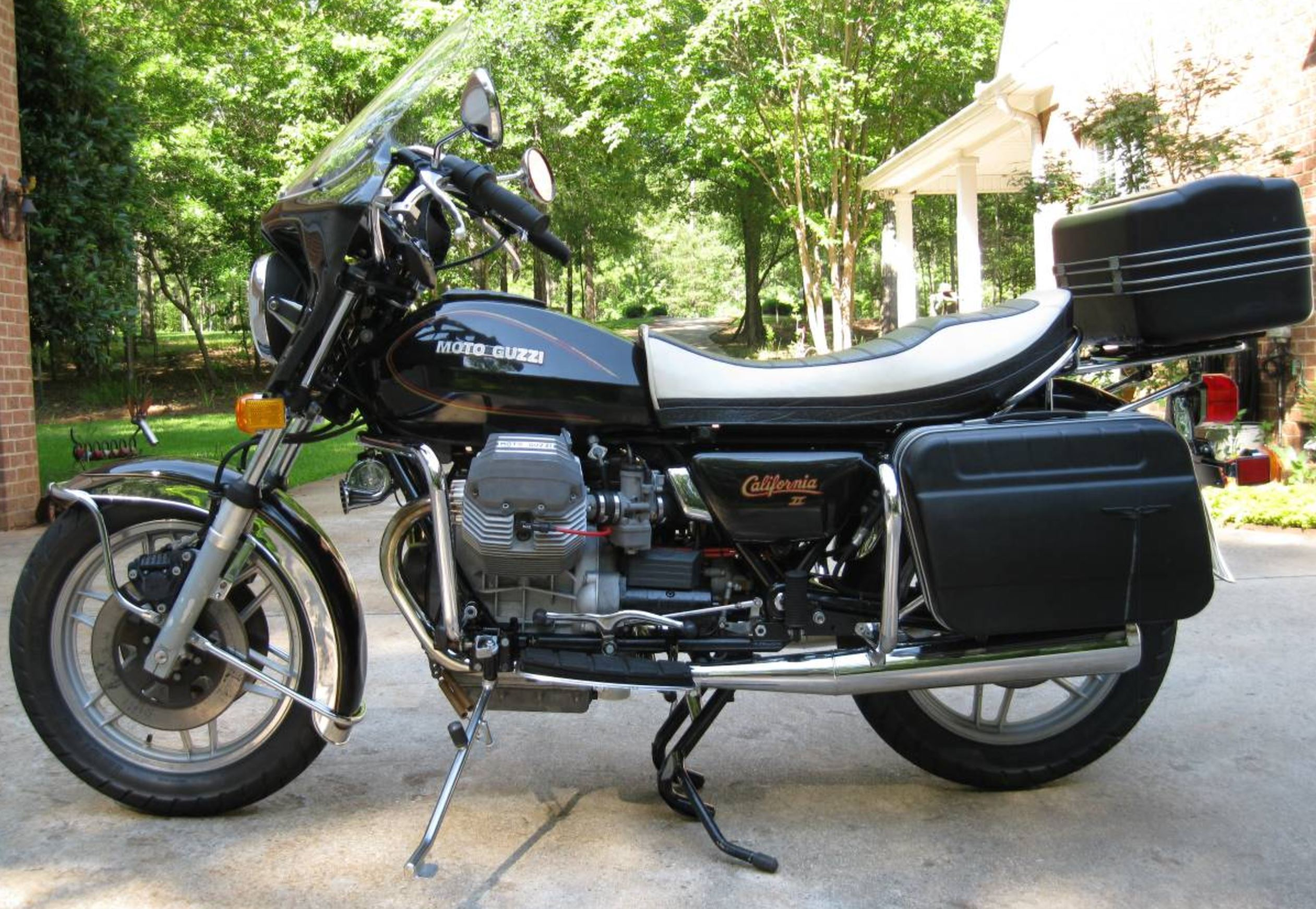 gentleman s tourer 1985 moto guzzi california ii bike urious. Black Bedroom Furniture Sets. Home Design Ideas