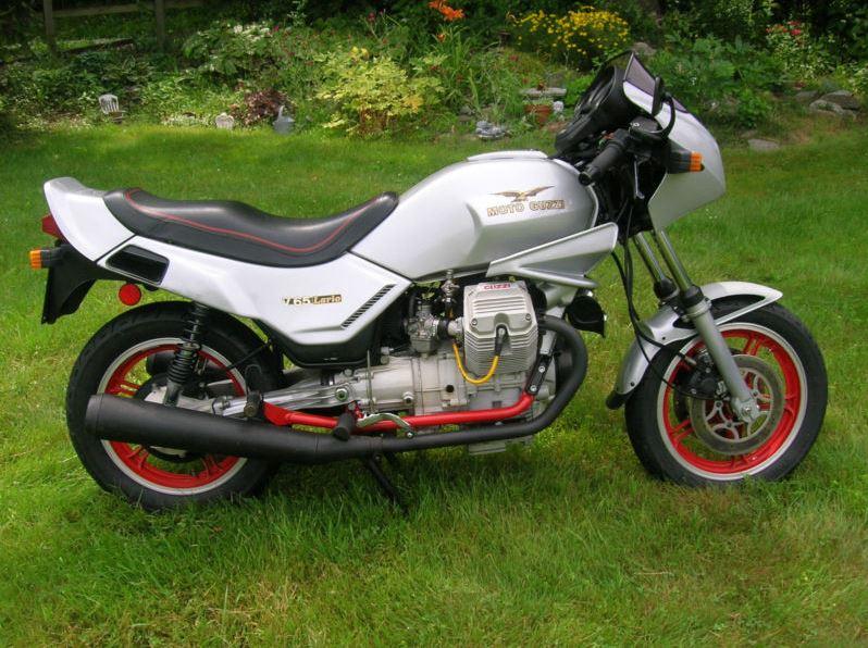 Moto Guzzi Lario V65 - Right Side