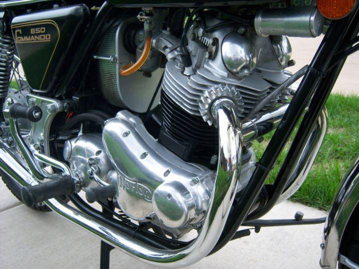 Norton 850 Commando - Engine