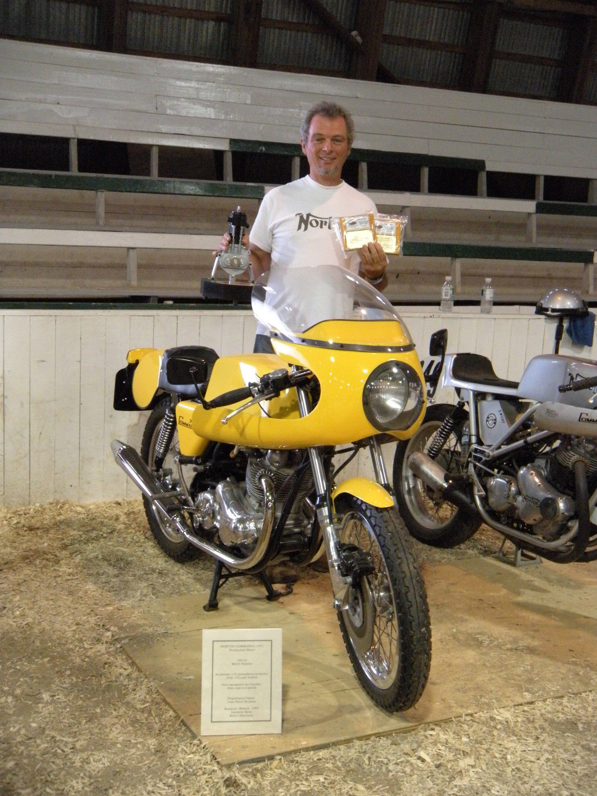 Yellow Peril – 1971 Norton Commando Production Racer – Bike-urious