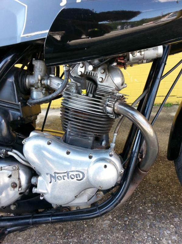 Norton Dunstall - Engine