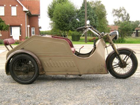 Poirier Voiturette - Right Side