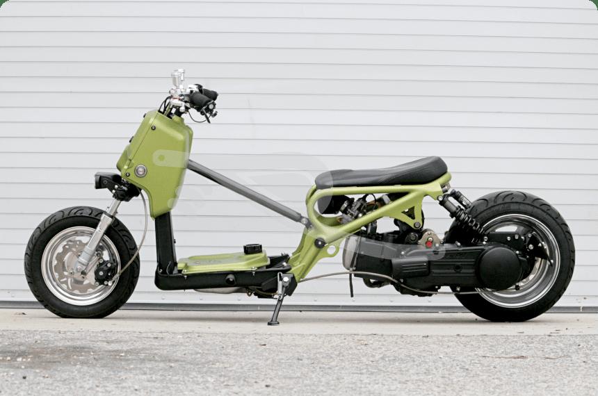 couple of custom honda ruckus bike urious. Black Bedroom Furniture Sets. Home Design Ideas