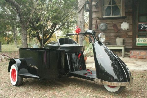 Salsbury Imperial 85 With Sidecar - Right Side