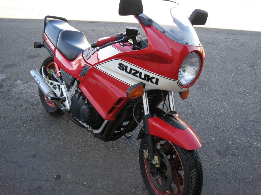 Suzuki GS1150ES - Front Right