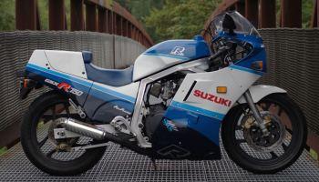 "162 Horsepower ""Dirt"" Bike – Suzuki GSX-R 1000 Custom – Bike-urious"