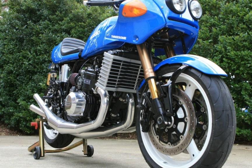 Suzuki GT750 Cafe Racer - Engine