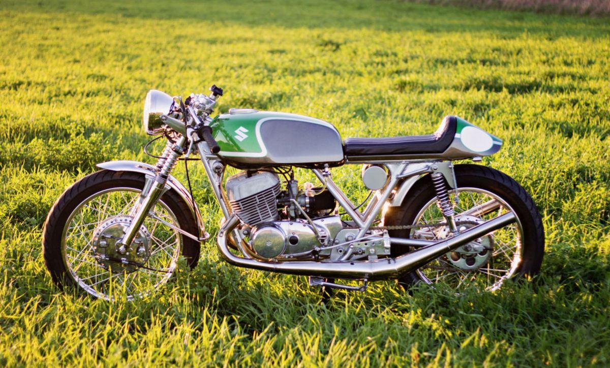 2 Stroke Titan - 1975 Suzuki T500 Cafe Racer