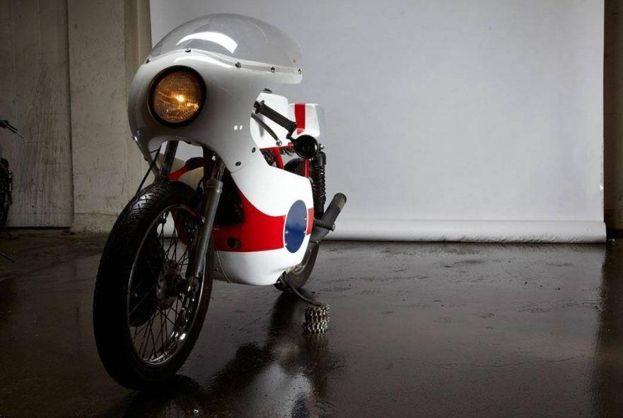 TZ Replica – 1975 Yamaha RD350 – Bike-urious