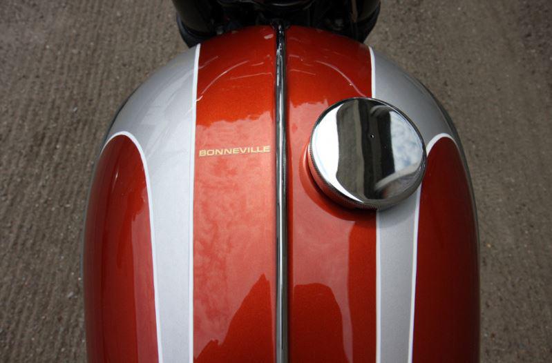 Triumph Bonneville - Gas Tank