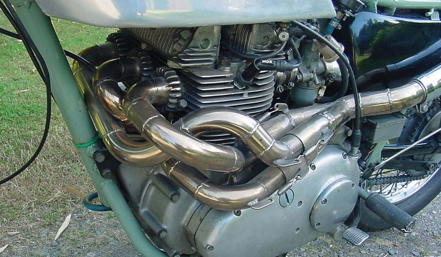 Cafe Racer Pipes