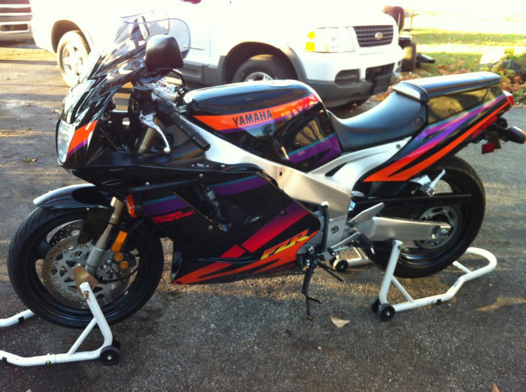 1994 Yamaha Fzr1000 Bike Urious