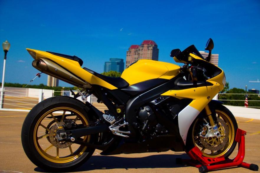Yamaha R1 Limited Edition - 2