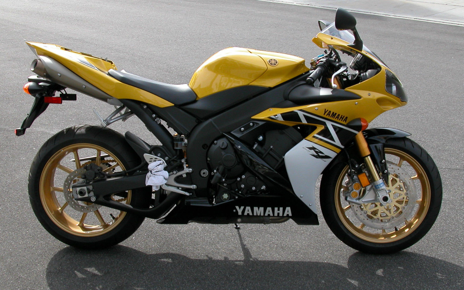 Yamaha R Th Anniversary Le For Sale