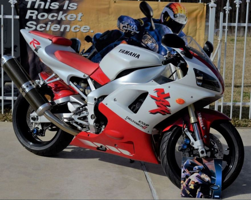 Ending Soon With No Reserve 1998 Yamaha R1