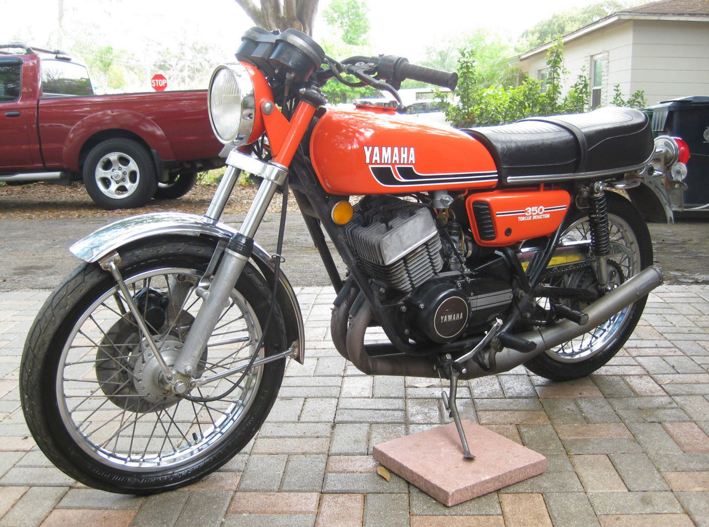 1975 yamaha rd350 bike urious. Black Bedroom Furniture Sets. Home Design Ideas