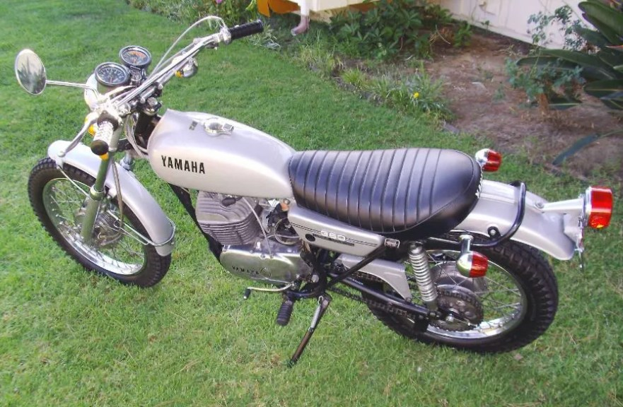 Yamaha RT2 - Left Side