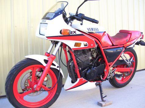 Yamaha SRX 250 - Front Left