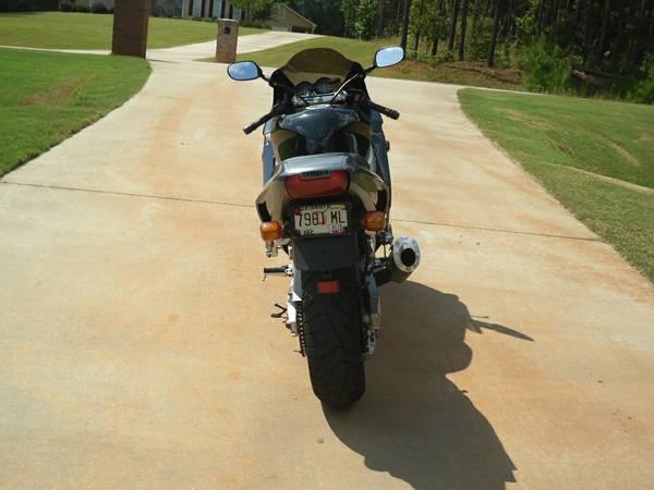 Yamaha YZF1000R - Rear