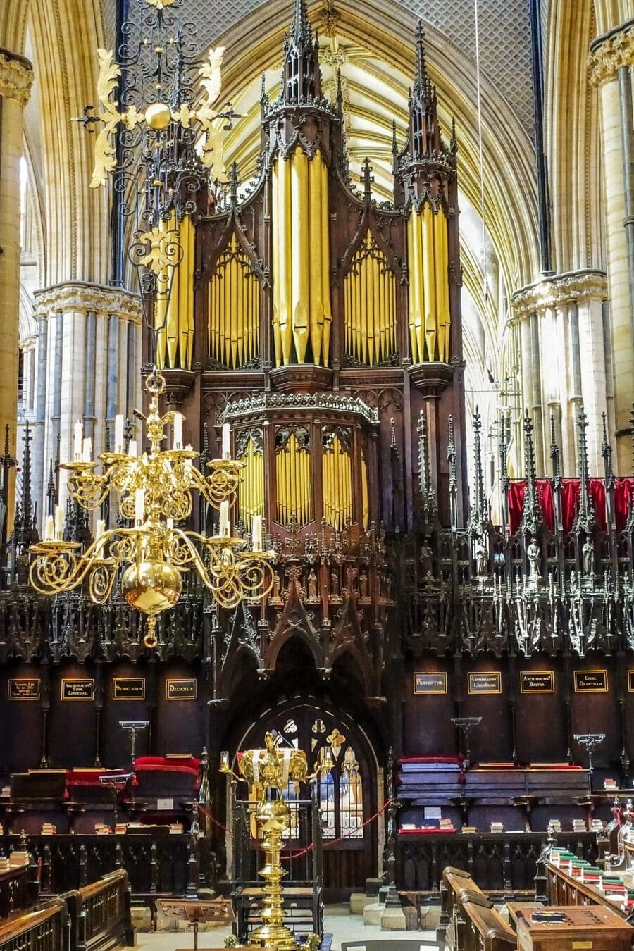 spectacular lincoln cathedral organ in the UK
