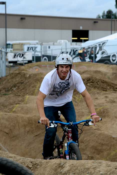Mitch Ropelato pump tracking it Sh*tbike style
