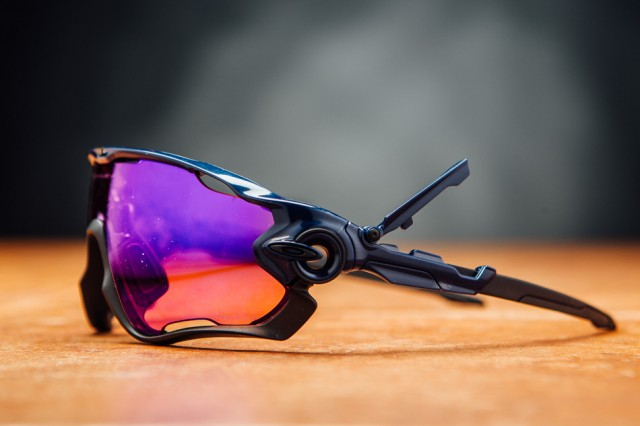 Oakley Jawbreaker Prizm >> Review Oakley Jawbreaker Prizm Trail Bike Magazine