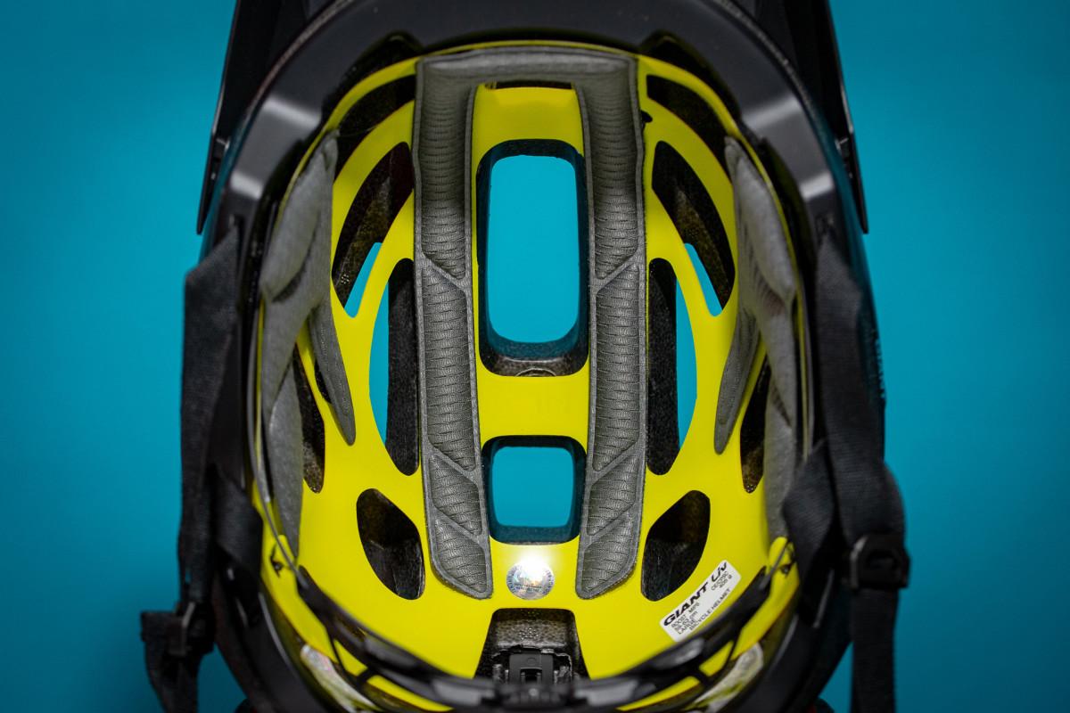 MIPS Helmet Versus 1898