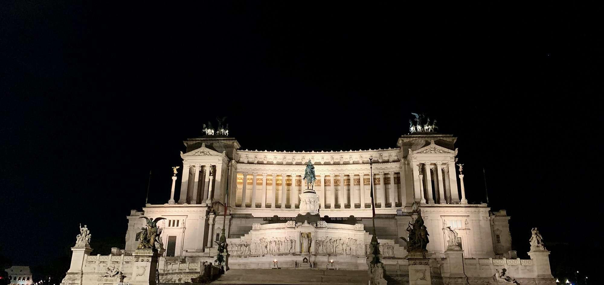 Altare della Patria gravel tour Siena Rome