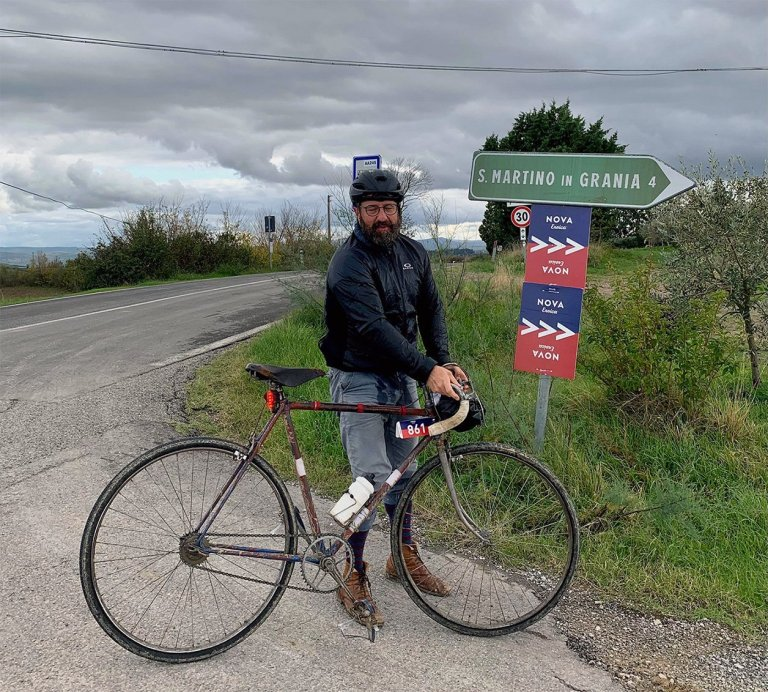CYCLING ON THE EROICA PAHT