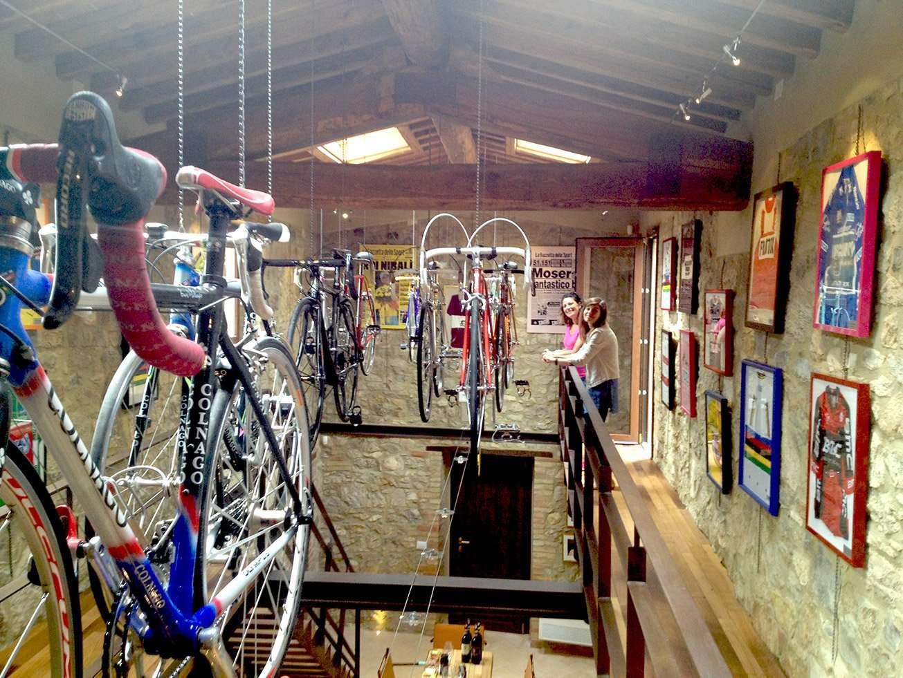 wine-cycling-day-trip-Montalcino