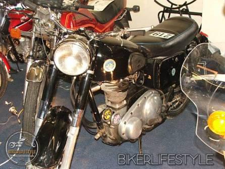 motorcycle-mechanic023