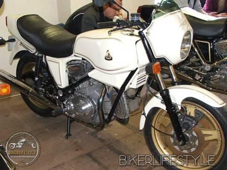 motorcycle-mechanic024