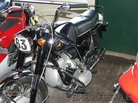 motorcycle-mechanic035