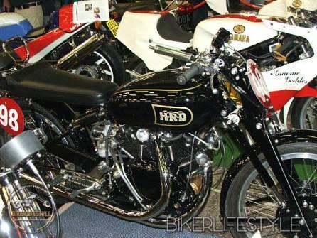 motorcycle-mechanic091