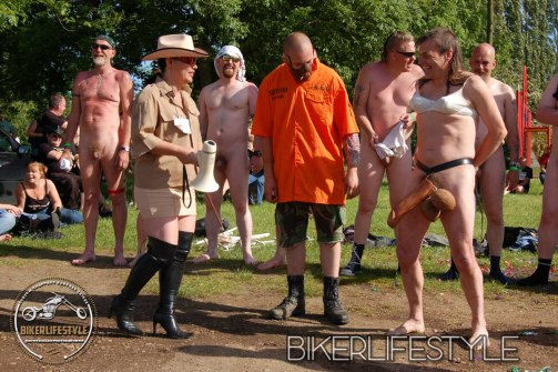 perverts-in-leather-175