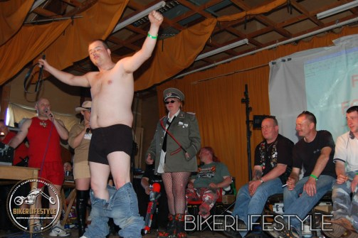perverts-in-leather-222