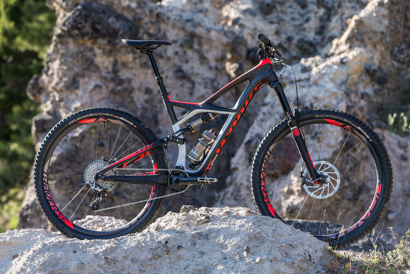 29e1eafa5 Specialized Launches Updated Enduro With 650B Wheels - Bikerumor