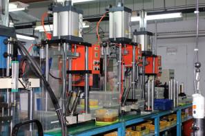 SRAM Taiwan Factory Tours Suspension Shifters Derialleurs Carbon production054