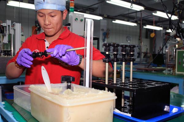 SRAM Taiwan Factory Tours Suspension Shifters Derialleurs Carbon production055