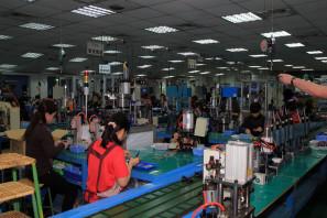 SRAM Taiwan Factory Tours Suspension Shifters Derialleurs Carbon production063