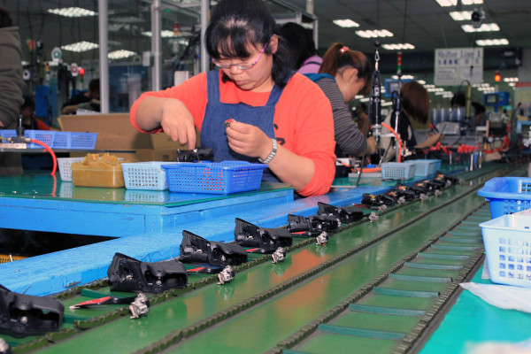 SRAM Taiwan Factory Tours Suspension Shifters Derialleurs Carbon production066