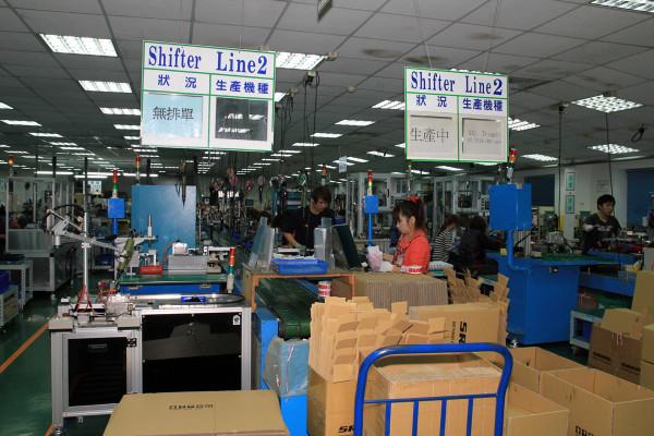 SRAM Taiwan Factory Tours Suspension Shifters Derialleurs Carbon production071