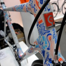 BFS15_Velocipedo_Cycle-Art_artist-Wasja-Gotze_handpainted_carbon_road_frameset_headtube-detail