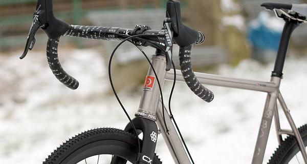 Velocipedo_Crossing-Over_titanium_cyclocross_frame_complete-detail