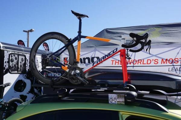 inno-racks-locking-roof-rack-bicycle-tray02