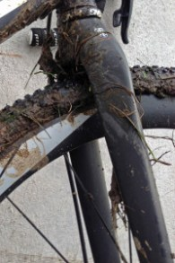 Ritchey_WCS-Carbon-Disc-Cross-Fork_straight-steerer-cyclocross-fork_mud-side