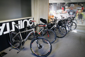Litespeed titanium bicycle factory tour american bicycle group quintana roo_-7